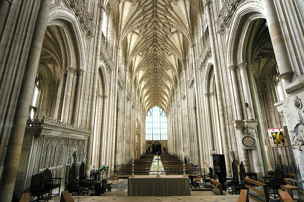 Winchester Cathedral (Wikipedia)