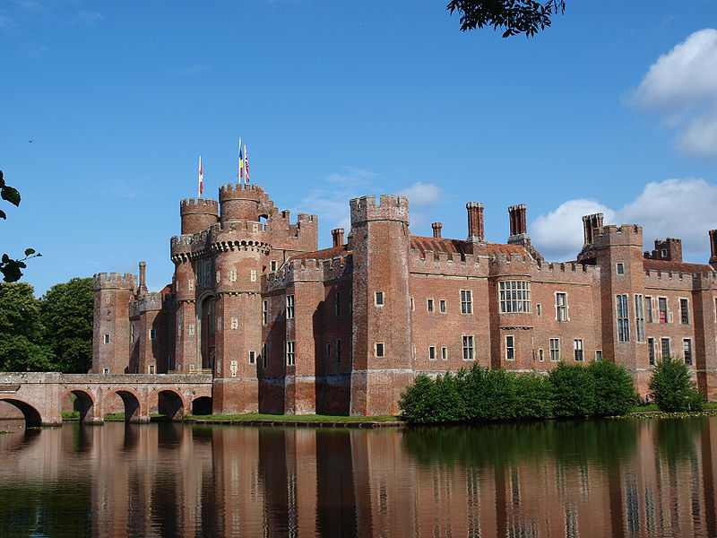 Herstmonceux_Castle - photo by 6mat1