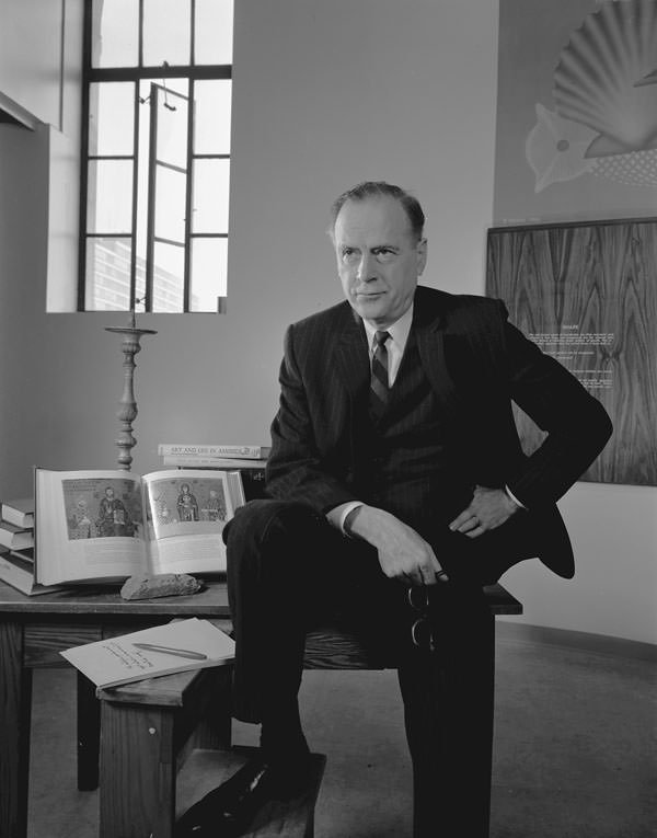 The New Middle Ages: Medievalism in McLuhan and Vacca