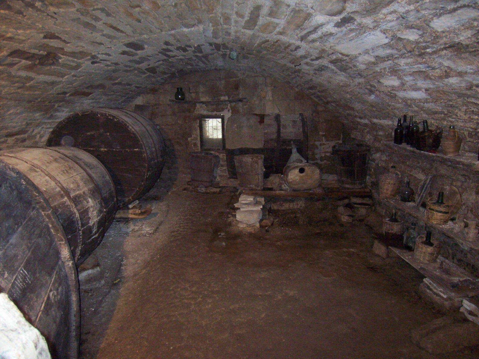 永純酒窖 Wineulove Yong Chun Wine Cellar