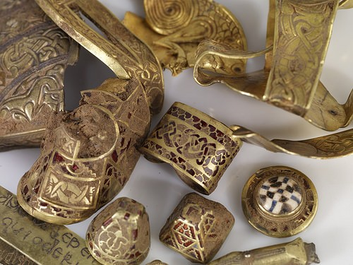 The Staffordshire Hoard and the Mercian Royal Court