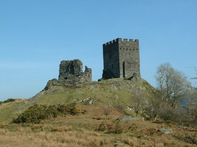 Dolwyddelan_Castle - photo by Nigel Homer