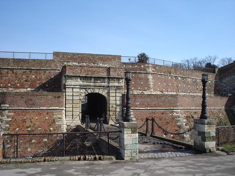 Belgrade fortress under attack – from flowers