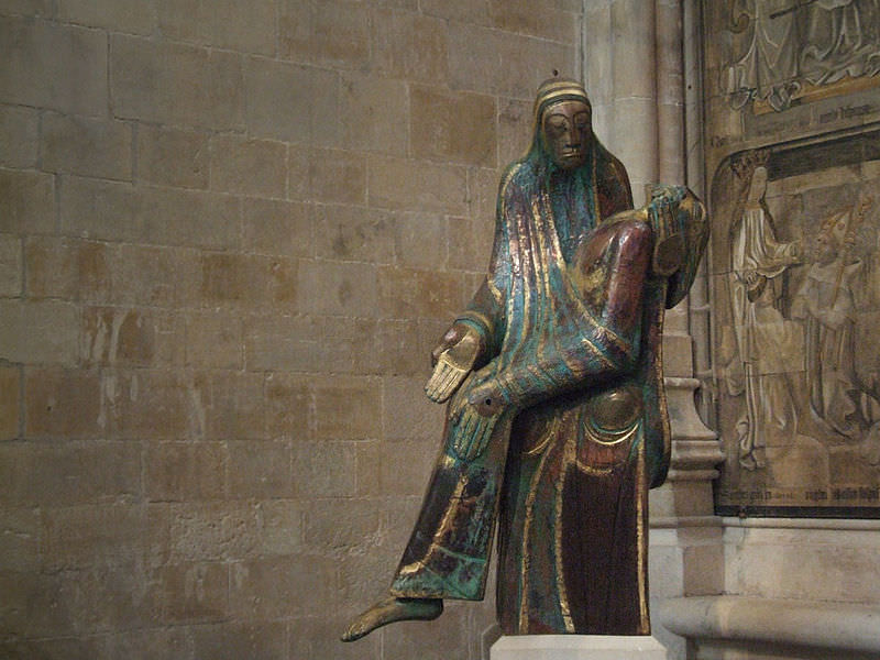 Statue of the Virgin Mary and Jesus in Winchester Cathedral, Winchester, England