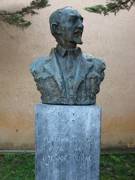 Bust of Vladimir Nazor in Croatia, photo by Roberta F.