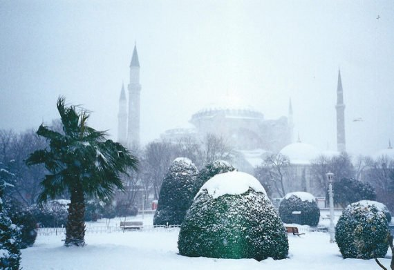 Snow in Istanbul - photo by yellow magpie / Flickr