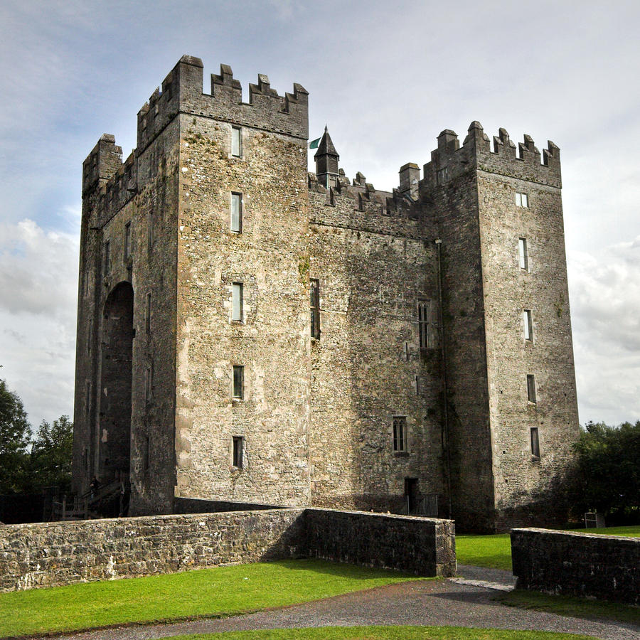 Functions of the Cantred in Medieval Ireland