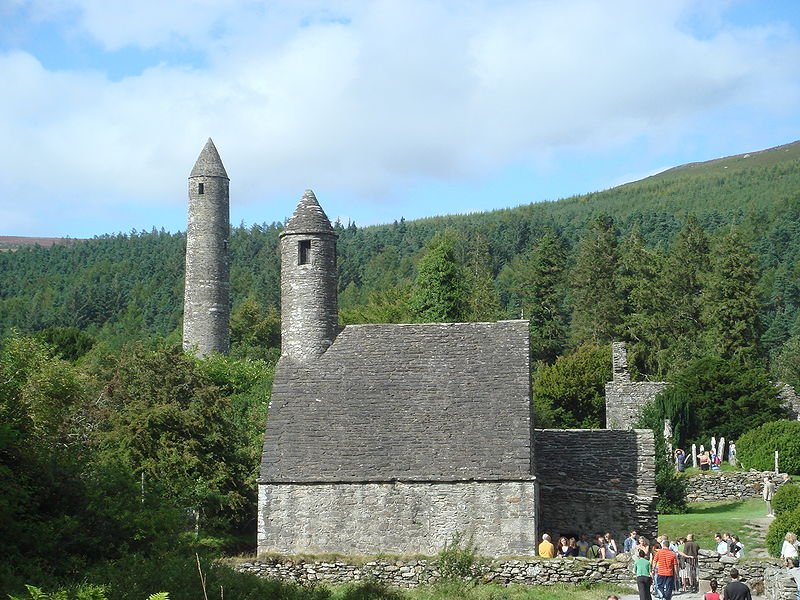 Society and Settlement in Glendalough and the Vartry before 1650
