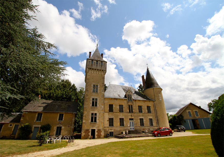 Castle for Sale in France: Chateau de Malvaux