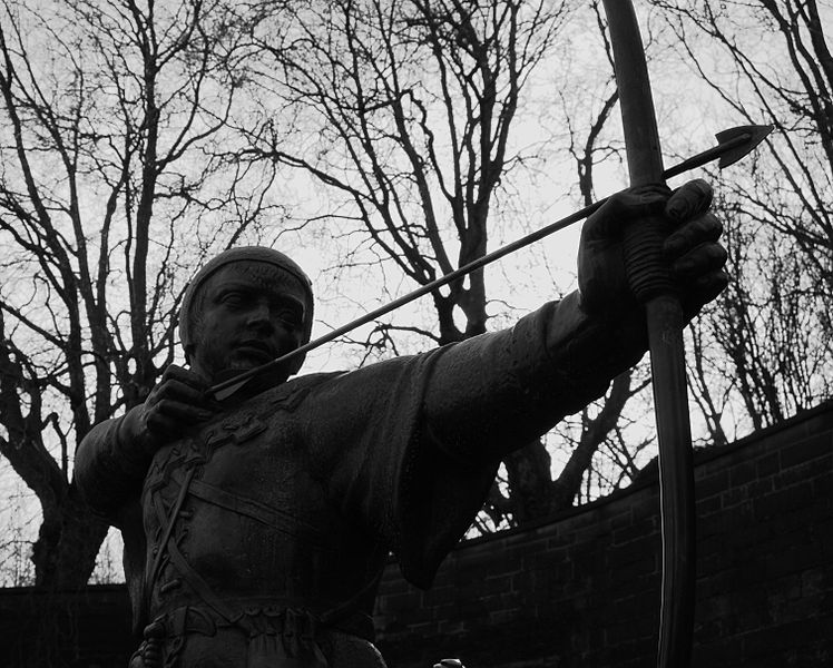 The Robin Hood Statue, Nottingham Castle - photo by Vasa1628 / Wikimedia Commons