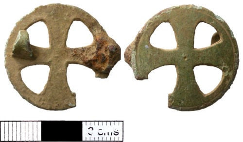 New Insights from the Metal Detected Brooches of Early Medieval Frisia