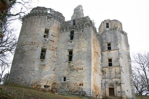 Abandoned castles in France