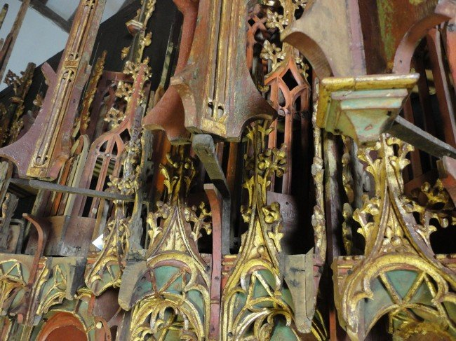 Reredos-colour-detail