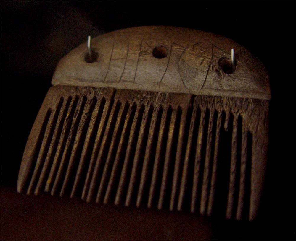 Dutch medieval bone and antler combs