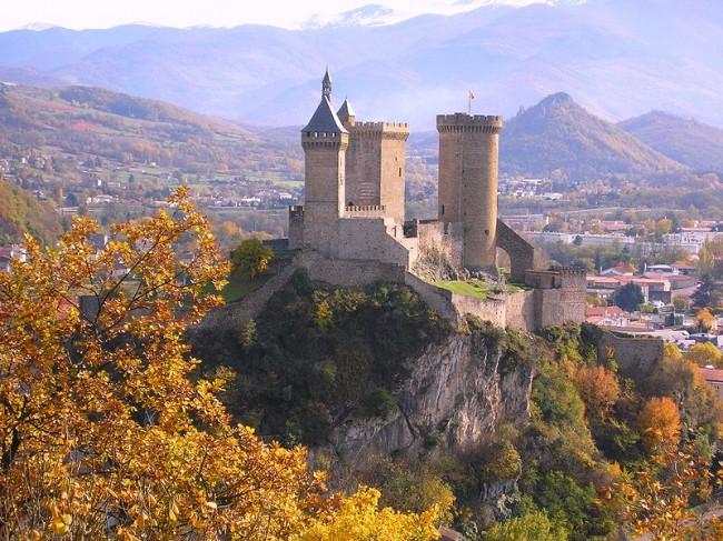 top 10 medieval castles in france. Black Bedroom Furniture Sets. Home Design Ideas