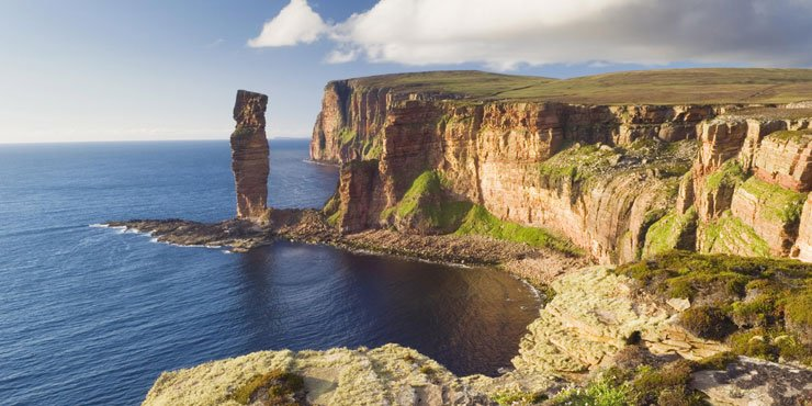 The Stewart Earls of Orkney and the History of Orkney and Shetland