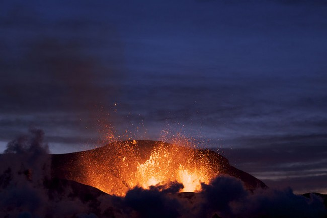 Eruption at Fimmvörðuháls at dusk.