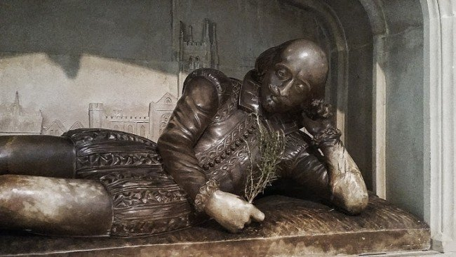 Statue of William Shakespeare - Southwark Cathedral