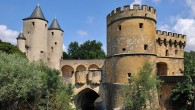 In the late middle ages, the Imperial free city of Metz is firmly in the hands of the patricians: they control its entire government through associations called paraiges – and as the wealth of the city has been relying heavily on their rural possessions since the decline of the commercial role of the city, their leadership is not seriously at risk.