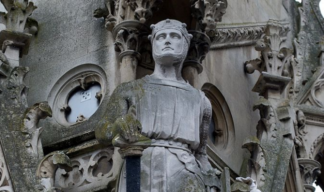 statue of Simon de Montfort on the Haymarket Memorial Clock Tower in Leicester, England.