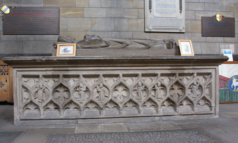 Tomb of Marjorie Bruce. Photo by Otter/Wikipedia