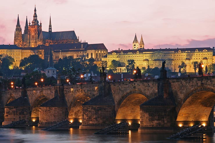 Imperial Memory and the Charles Bridge: Establishing Royal Ceremony for Future Kings