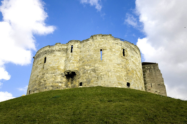 Archaeologists set explore Clifford's Tower