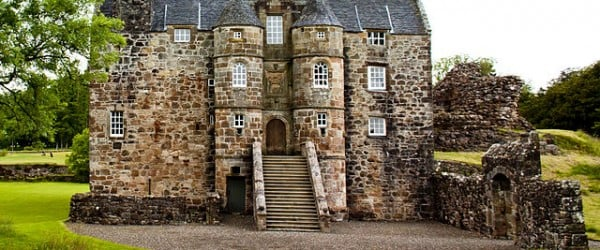 Historic Scotland is transferring control of Rowallan Castle, which dates back to the Middle Ages, back to its owner, who who will be converting it into a hotel as part of a golf course development.