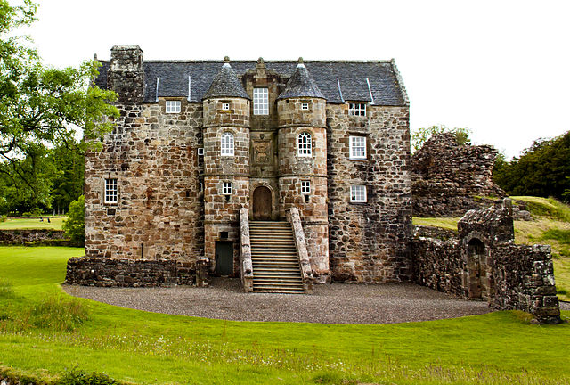 Rowallan Castle - photo by Sagereid / Wikipedia