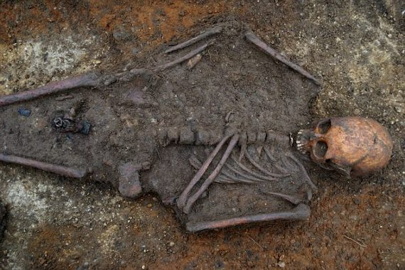 The Lives and Deaths of Young Medieval Women: The Osteological Evidence