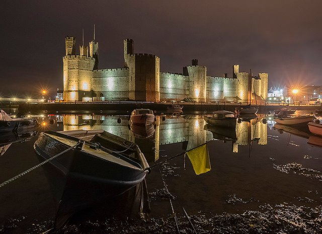 caernarfon castle - photo by Kris Williams / Flickr