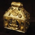 14th century purse reliquary