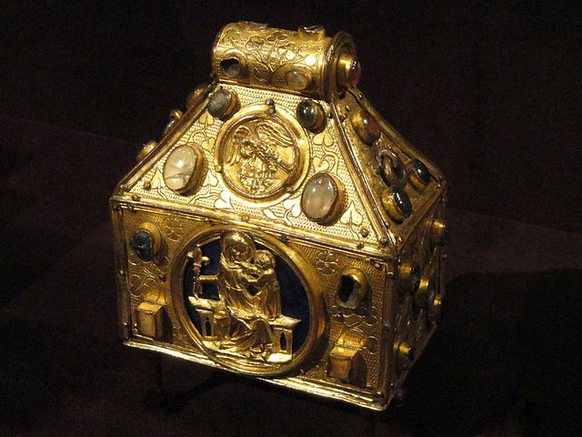 Portable Christianity: Relics in the Medieval West (c.700–1200) - Medievalists.net