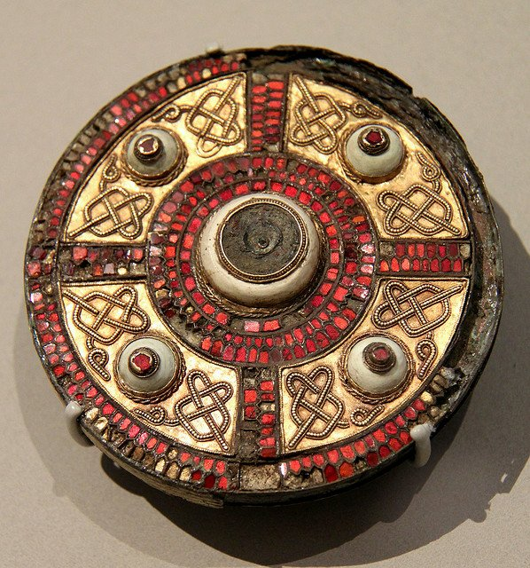 broaching the subject  the geometry of anglo-saxon composite brooches