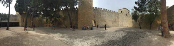 A panorama of the castle courtyard. Photo by Medievalists.net.
