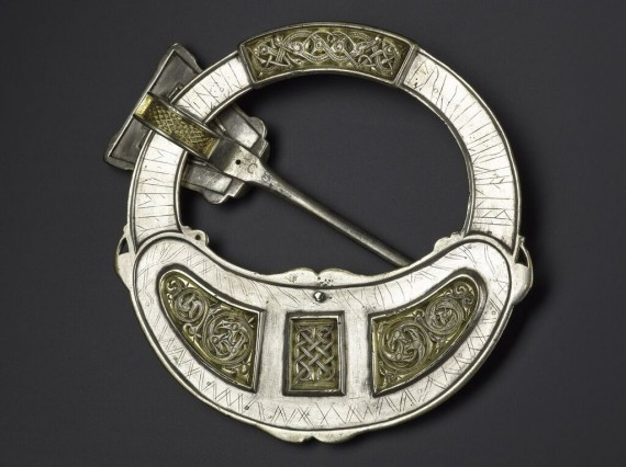 Hunterston brooch. Silver, gold and amber. Hunterston, south-west Scotland, AD 700–800. © National Museums Scotland, Edinburgh.