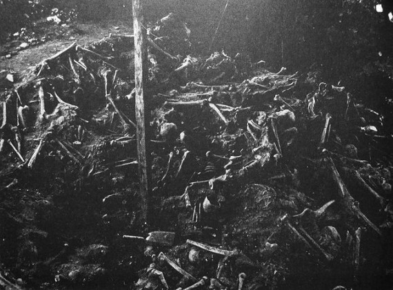 The mass grave from the Battle of Visby at Korsbetningen, photographed during the 1905 excavation.