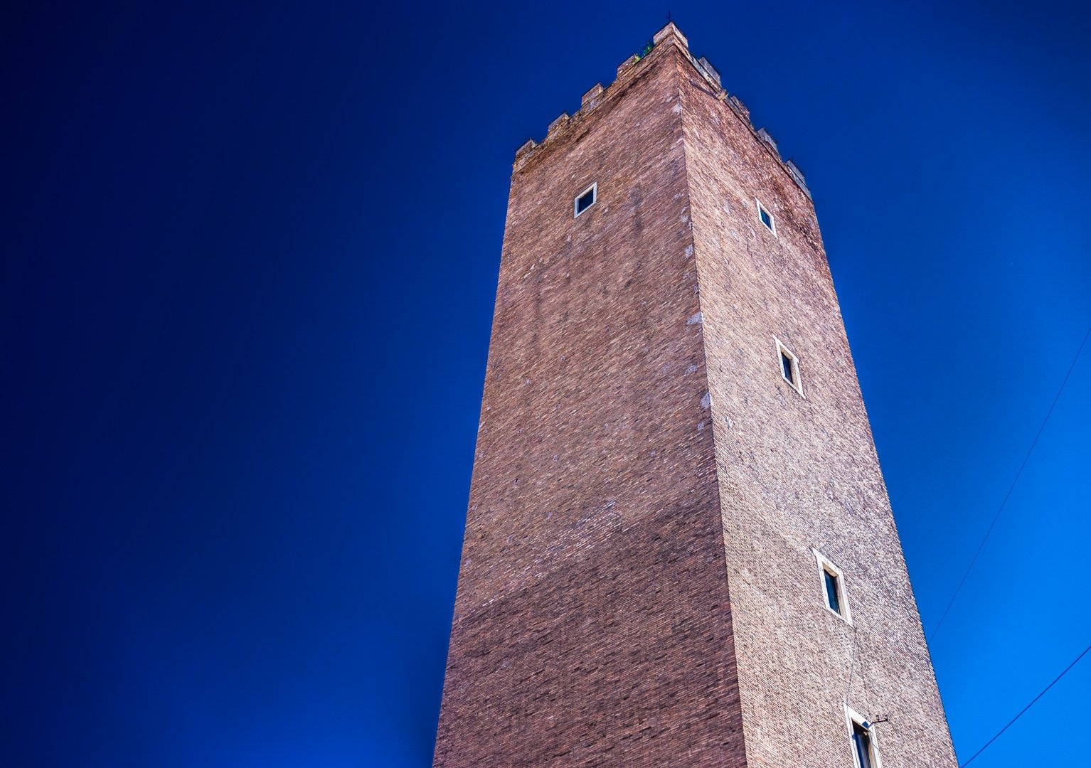 Torre Dei Capocci Roma (The Capocci Tower). Built in the Arcioni family in the 12th century. (Wiki Commons).