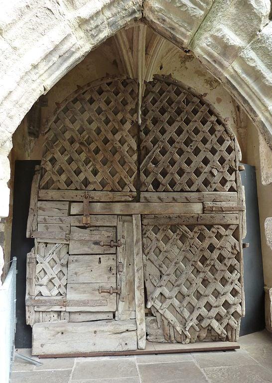 Original castle gates and doors: A Survey - Medievalists.net