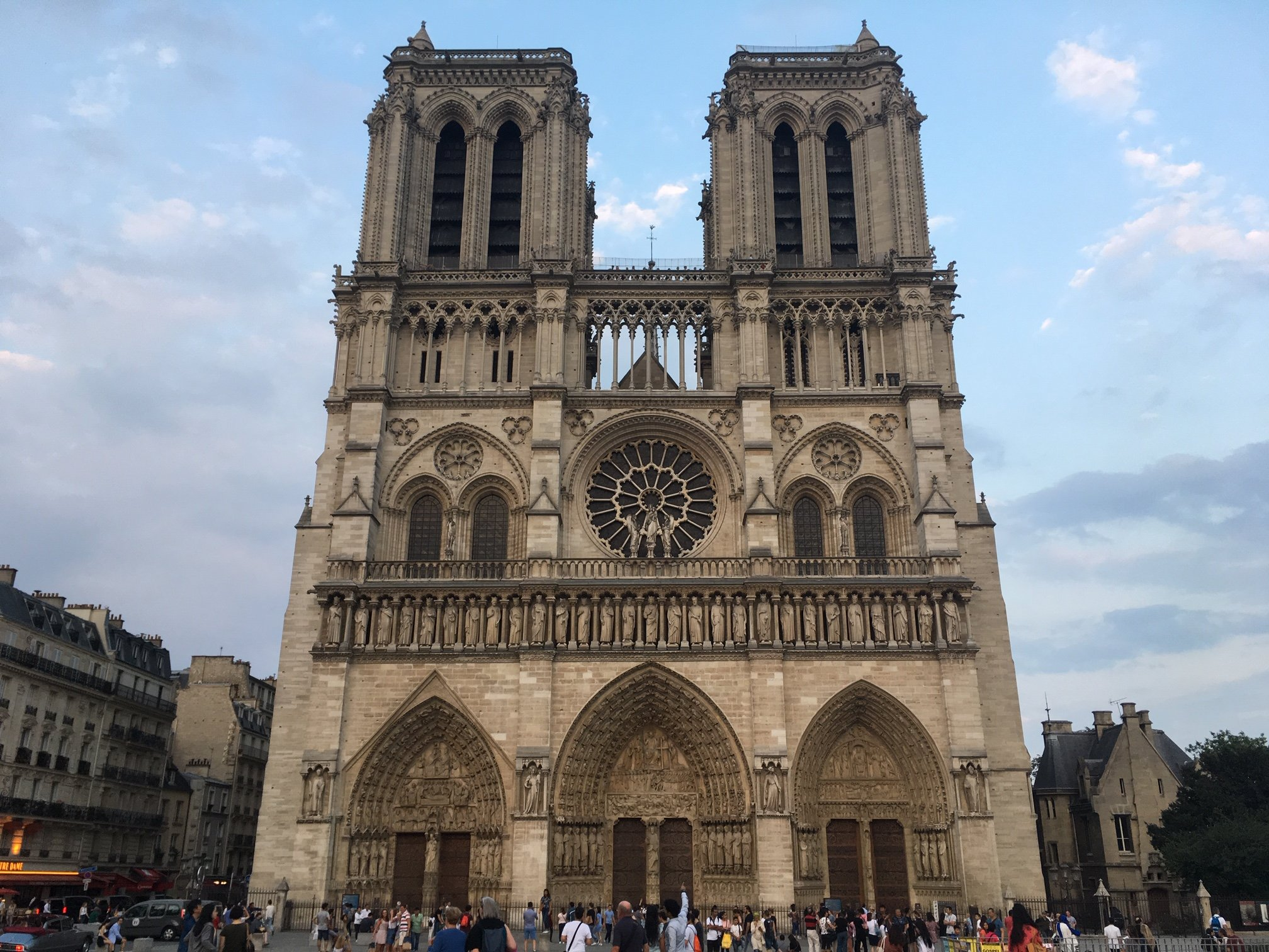 Why France is the land where the sun never setteles - Page 14 Notre-dame-cathedral